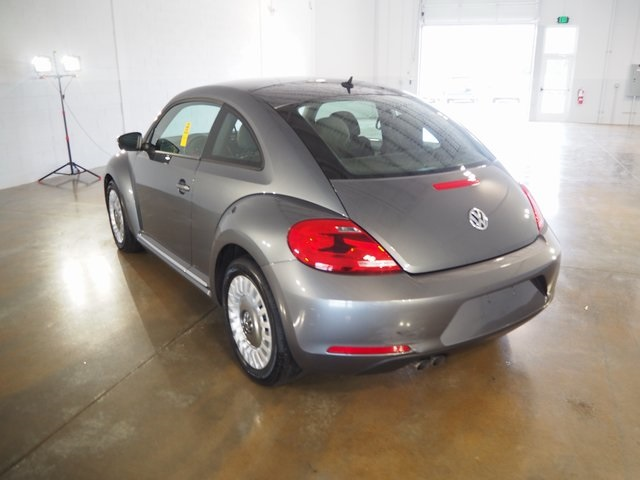 Pre-Owned 2013 Volkswagen Beetle 2.5L Entry
